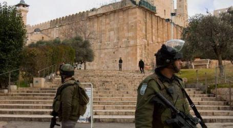 قوّات الاحتلال تمنع المسلمين  صلاة الجمعة فى المسجد الإبراهيمي