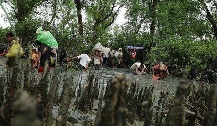 الهاربون الروهنغيا  يواصلون الفرار من بطش جيش ميانمار