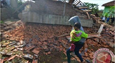 زلزال قوي يدمر 188 منزلا في سياميس بجاوة الغربية