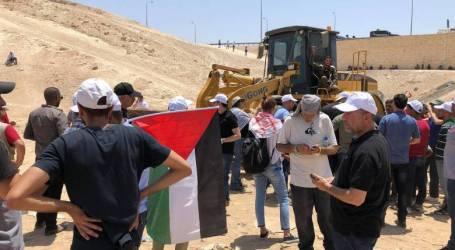 حماس : الاحتلال يقوم بتطهير عرقي بالخان الأحمر