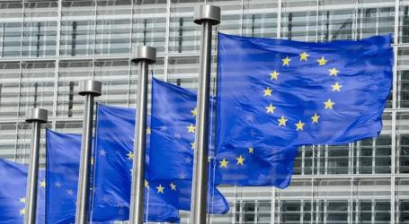 الاتحاد الأوروبي يحذر إيطاليا من إثارة التهديدات بشأن أزمة المهاجرين