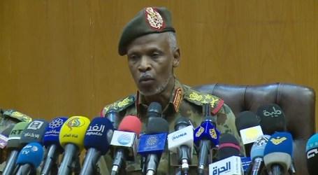 السودان.. المجلس العسكري يتعهد بتسليم السلطة لحكومة مدنية ويحذر من الفوضى