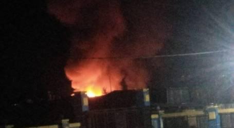 هاجمت مجموعة من السكان وأضرمت النار في مركز شرطة واغيتي