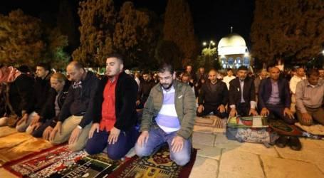 إصابات جراء اقتحام قوات الاحتلال للمسجد الاقصى وإخلاء جميع المعتكفين