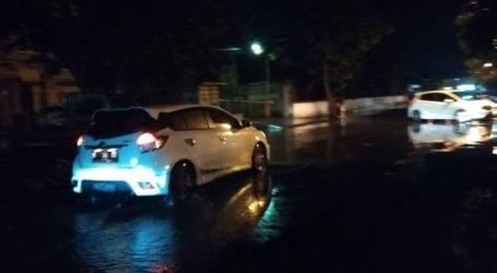 عشرات المنازل في رانجكاسبيتونج ، بانتين ، تغمرها الفيضانات