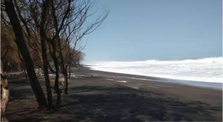 المنازل في ساحل بانتول عرضة للأمواج العالية