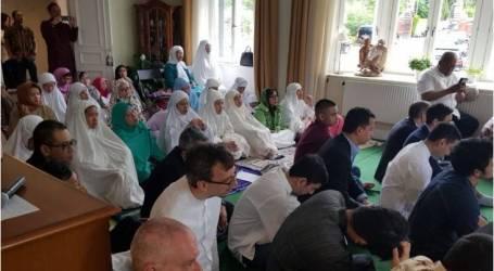 اجتمع مئات المواطنين الإندونيسيين المهاجرين يوم عيد الفطر في السويد