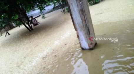 الفيضانات والانهيارات الأرضية تضرب 16 قرية في أربع مناطق فرعية في آتشيه