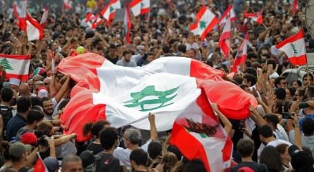 اللبنانيون يواصلون احتجاجاتهم السلمية ضد الحكومة لليوم التاسع