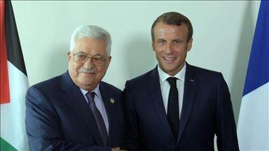 محمود عباس يلتقي نظيره الفرنسي في رام الله