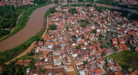 الفيضانات تغرق 3744 منزلاً في مقاطعة باندونغ