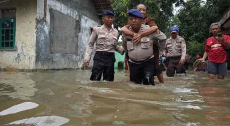 فيضانات سيريبون تغمر أكثر من ألفي منزل