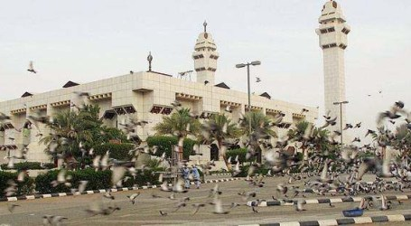 مساجد مكة تعاود استقبال المصلين الأحد (صحيفة)