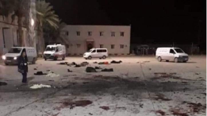 28 قتيلا على الأقل في غارة جوية على مدرسة عسكرية بالعاصمة الليبية طرابلس