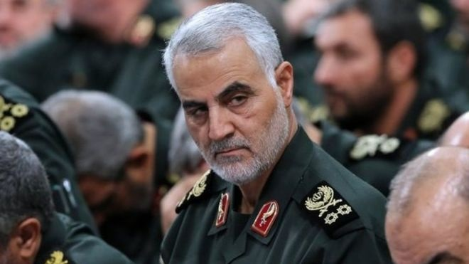 مقتل قاسم سليماني قائد فيلق القدس الإيراني في ضربة أمريكية ببغداد