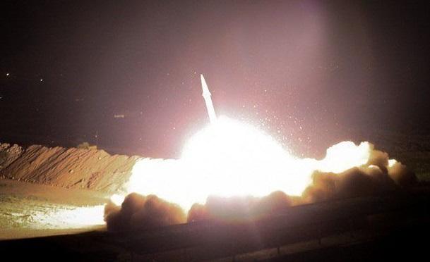 إيران تقصف قواعدتين في العراق للولايات المتحدة الامريكية