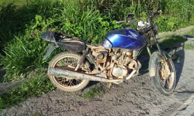MARTINS SOARES (MG) - Duas pessoas morreram em um atropelamento de moto no km 8 da BR-262 em Martins Soares, na madrugada deste domingo, 22/11.