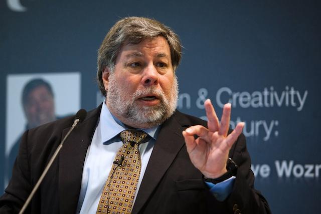 """أحد مؤسسي """"آبل"""" ينضم للريبل لمواجهة يوتيوب قضائيا حول احتيال البيتكوين"""