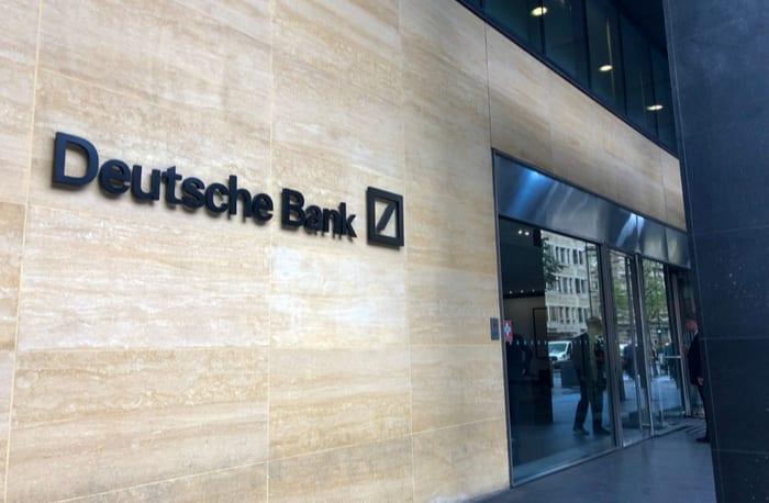 دويتشه بنك: المستثمرون يفضلون البيتكوين على الذهب كتحوط من التضخم