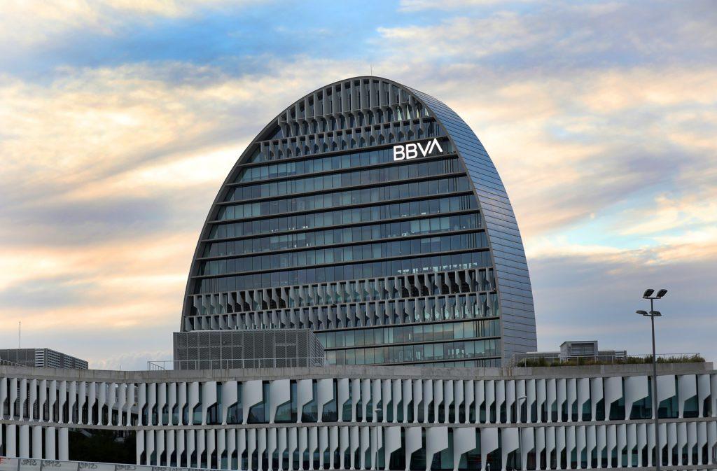 ثاني أكبر بنك في إسبانيا يستعد لإطلاق خدمات تتعلق بالعملات الرقمية المشفرة