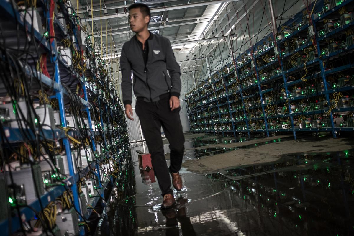هل سيتضرر تعدين البيتكوين في الصين بعد إعلان الحكومة الصينية إلغاء المشاريع المستنزفة للطاقة؟
