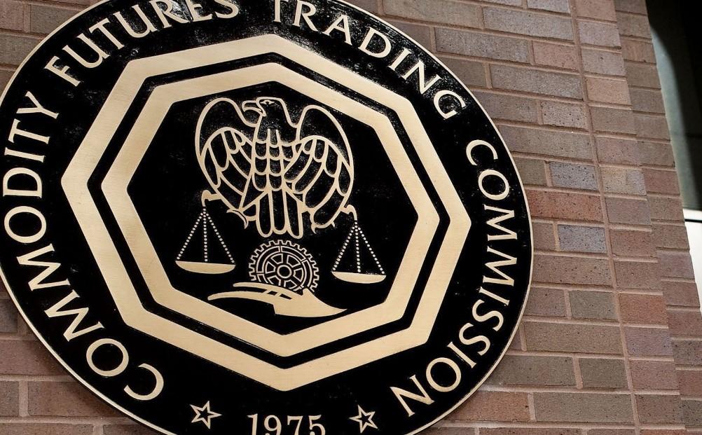 مفوض هيئة تداول السلع الآجلة الأمريكية (CTFC): أسواق مشتقات DeFi هي فكرة سيئة