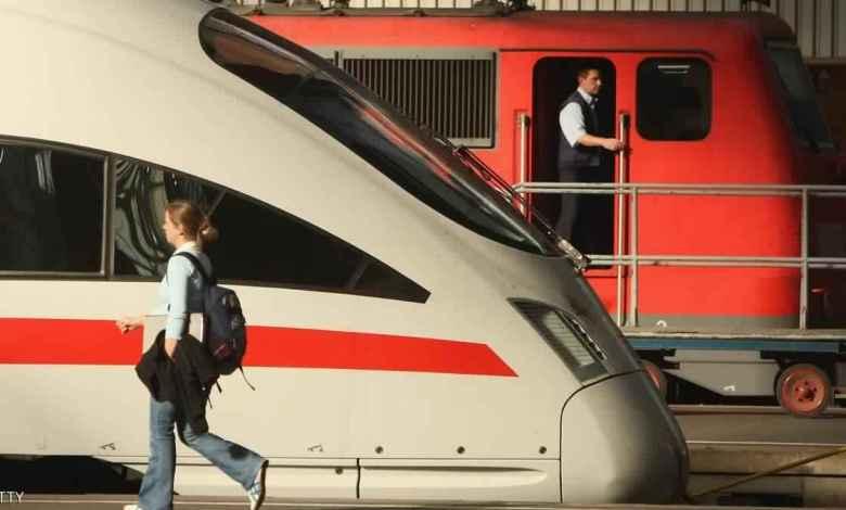 انطلاق قطار شركة فليكس ترين