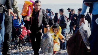 Photo of اللاجئون وشبكات التهريب بهدف لم شمل العائلة