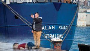 والد الطفل آلان كردي يرغب بالإنضمام لسفينة إنقاذ لاجئين تحمل اسم طفله
