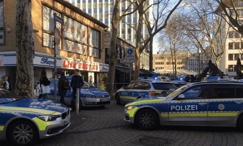 ألمانيا شجار في مطعم سوري يستوجب تدخل الشرطة باعداد كبيرة وضخمة