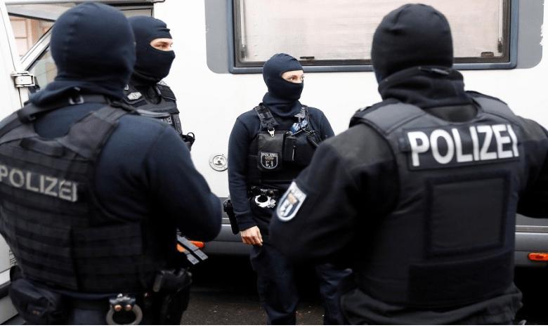 ألمانياالشرطة تضبط اثني عشر عملية دخول غير شرعي من عمليات تهريب سوريين و عراقيين
