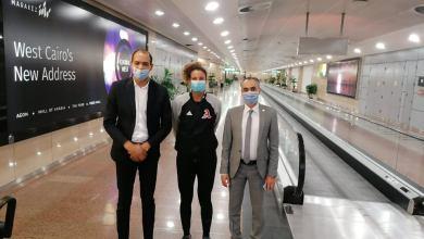 """صورة وفد رسمي من وزارة الشباب والرياضة يستقبل """"ميار شريف"""" بمطار القاهرة"""