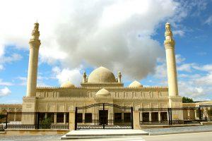 مسجد الجمعة 300x200 - الوجهات السياحية في مدينة قوبا