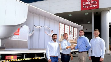 "Photo of تعاون بين ""الإمارات للشحن الجوي"" وشركة ناشئة في دبي لنقل المأكولات البحرية بكفاءة وشفافية"