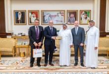 """Photo of حمدان بن راشد يستقبل الرئيس التنفيذي لشركة """"اسينو"""" الدوائية السويسرية"""