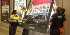 الشرطة الألمانية تزيل الملصقات العنصرية في برلين
