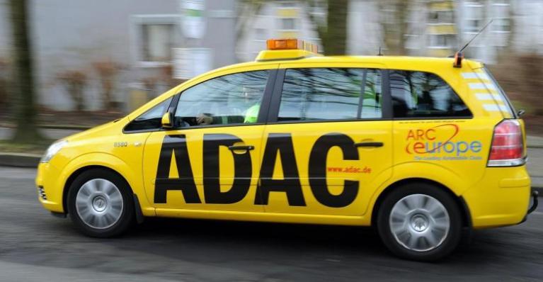 مطالبة ألمانيا بالتخلي الكامل عن رسوم الطرق