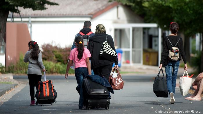 ألمانيا تتخلف عن تنفيذ استقبال آلاف اللاجئين