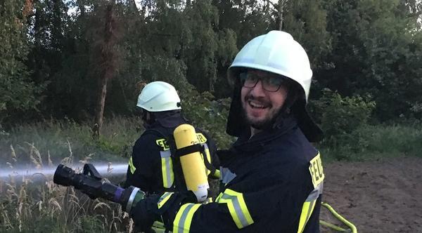 صحيفة ألمانية تسلط الضوء على دمشقي متطوع في الإطفاء
