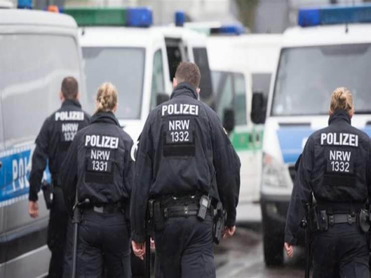شاحنة تداهم عدة سيارات وتصيب 12 شخصًا في ألمانيا