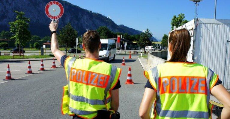 الشرطة تضبط أكثر من 2000 أجنبي محظورون