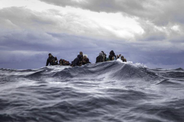 مركب النجاة يحصدُ أكثر من 20 ألف شخص ما بين مهاجرٍ و قتيل