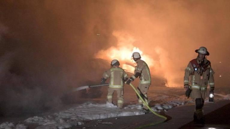 حرق 12 سيارة في مدينة ألمانية