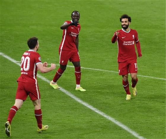 ليفربول يغسل أحزانه المحلية بالتأهل الأوروبي