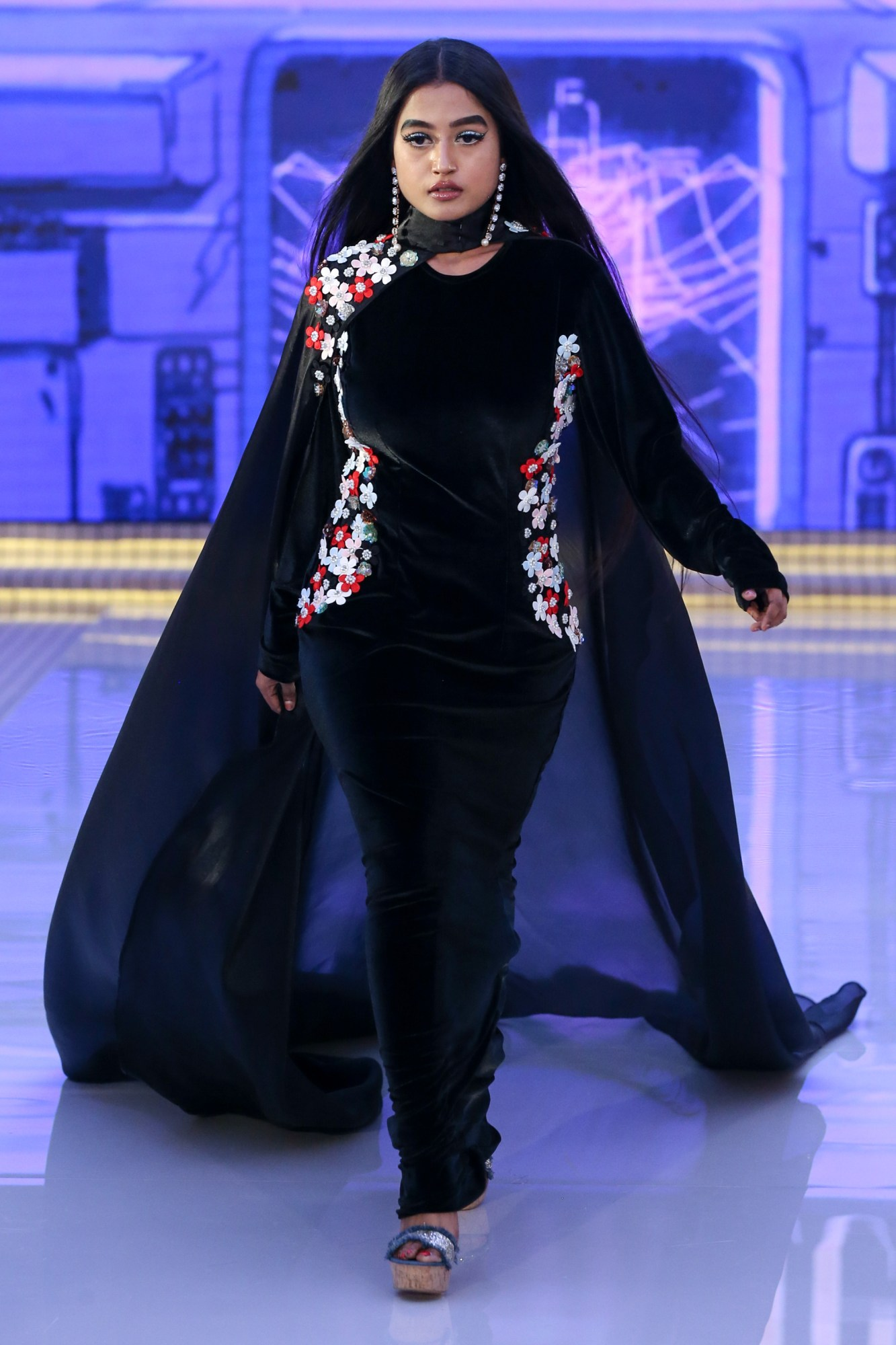Fllumae Ready Couture Fall Winter 2018 Collection Dubai Fashion Week