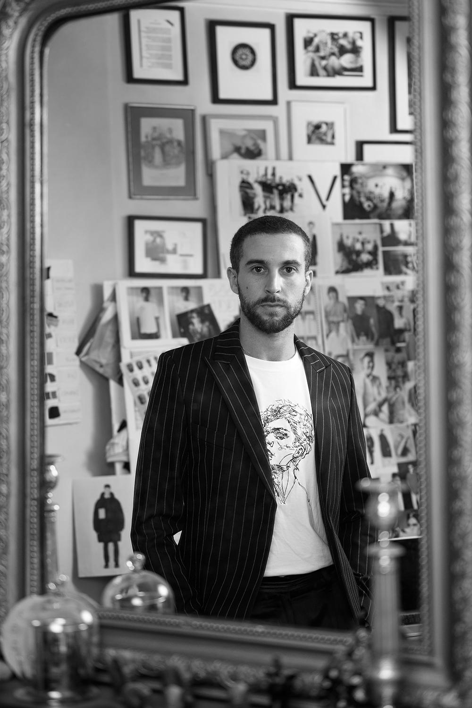 Pierre François Valette, styliste créatreur de la marque de vêtements Valette à Paris.
