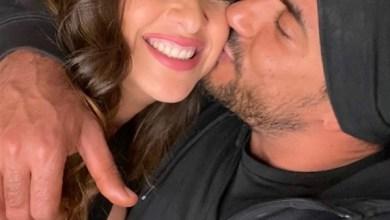 صورة ياسمين عبدالعزيز تفاجئ جمهورها بصور جديدة مع زوجها احتفالا بعيد ميلاده