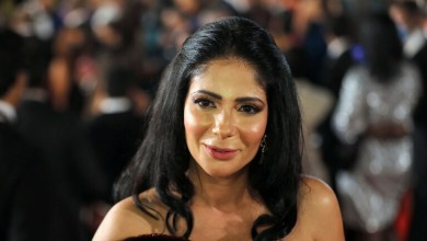 صورة تكريم الفنانة منى زكي في مهرجان القاهرة السينمائي