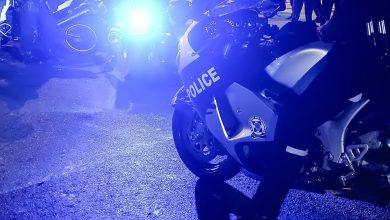 صورة الشرطة اليونانية تحقق في إطلاق نار على أنصار حزب كردي معارض لأردوغان
