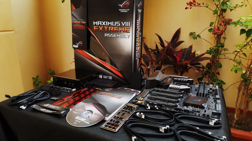 5-Asus Z170 Maximus VIII Extreme Assembly